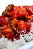 Camarões e abacaxis doces e ácidos com arroz Imagens de Stock