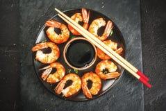 Camarões grelhados fritados do camarão com molho de soja Imagem de Stock Royalty Free