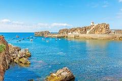 Camara de罗伯斯,有渔船的马德拉岛港口  库存图片