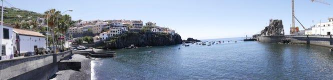 Camara de Lobos è un paesino di pescatori vicino alla città di Funchal ed ha alcune di più alte scogliere nel mondo Fotografia Stock Libera da Diritti