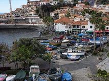 Camara de Lobos è un paesino di pescatori vicino alla città di Funchal ed ha alcune di più alte scogliere nel mondo Immagini Stock Libere da Diritti