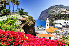 Camara de Lobos, petit village de pêcheur sur l'île de la Madère Photo stock