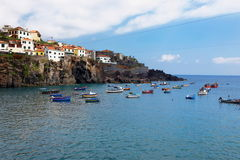 Camara de Lobos port nära Funchal, madeiraö, Portugal Arkivfoton