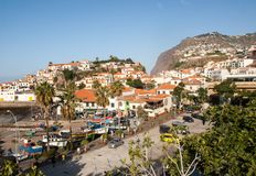 Camara de Lobos - traditioneel die visserijdorp, vijf kilometers van Funchal op Madera wordt gesitueerd Stock Afbeelding