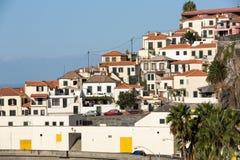 Camara de Lobos - traditioneel die visserijdorp, vijf kilometers van Funchal op Madera wordt gesitueerd Royalty-vrije Stock Fotografie