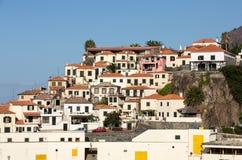 Camara de Lobos - traditioneel die visserijdorp, vijf kilometers van Funchal op Madera wordt gesitueerd Stock Foto's