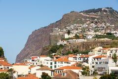 Camara de Lobos - traditioneel die visserijdorp, vijf kilometers van Funchal op Madera wordt gesitueerd Stock Afbeeldingen