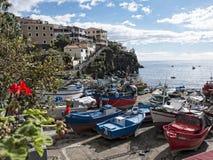 Camara de Lobos un paesino di pescatori vicino alla città di Funchal ed ha alcune di più alte scogliere nel mondo Immagini Stock Libere da Diritti