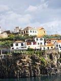 Camara de Lobos un paesino di pescatori vicino alla città di Funchal ed ha alcune di più alte scogliere nel mondo Immagine Stock