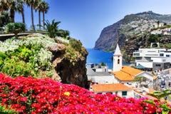 Camara de Lobos, vila pequena do pescador na ilha de Madeira Foto de Stock