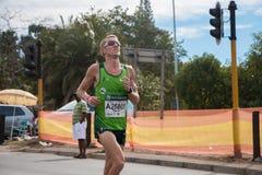 Camaradas Marathon Chin Up imágenes de archivo libres de regalías