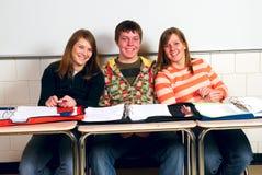 Camarades de classe heureux Image libre de droits