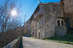Camarda by, Gran Sasso Abruzzo, Italien Royaltyfri Fotografi