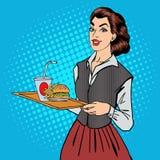Camarera con los alimentos de preparación rápida Mujer que sostiene una bandeja con la hamburguesa ilustración del vector