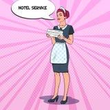 Camarera de sexo femenino con las toallas limpias Criada Service del hotel Ejemplo del arte pop Fotos de archivo