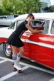 Camarera en el restaurante del autocinema Imágenes de archivo libres de regalías