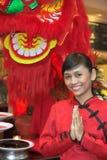 Camarera en traje chino Foto de archivo libre de regalías