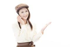 Camarera sonriente Foto de archivo libre de regalías