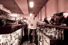 camarero camarero ¡Puedo tener otro! Imagen de archivo libre de regalías