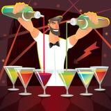 Camarero de la diversión que prepara varios cócteles en el partido Imagen de archivo