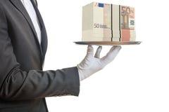 camarero de la representación 3d que ofrece 50 billetes de banco euro Fotos de archivo libres de regalías