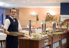 Camarero y comida fría Fotografía de archivo libre de regalías