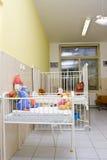 Camas del niño en el cuarto de hospital Fotografía de archivo libre de regalías