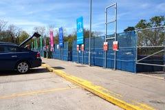 CAMBERLEY,英国, 2016年5月05日:回收中心的威尔敦路 库存图片