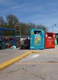 CAMBERLEY,英国, 2016年5月05日:回收中心的威尔敦路 免版税库存图片