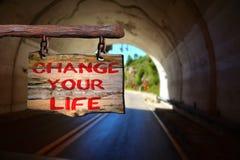 Cambi il vostro segno motivazionale di frase di vita Immagini Stock Libere da Diritti