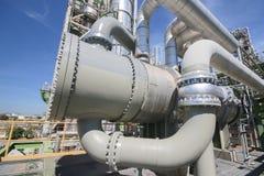 Cambiador de calor en planta industrial Imagenes de archivo