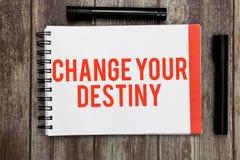 Cambiamento del testo di scrittura di parola il vostro destino Concetto di affari per la riscrittura dell'inizio migliorante di t fotografie stock