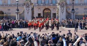 Cambiamento della guardia al Buckingham Palace, Londra Fotografia Stock Libera da Diritti