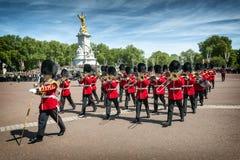 Cambiamento della protezione al Palazzo di Buckingham Immagini Stock Libere da Diritti
