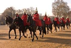 Cambiamento della protezione, parata delle protezioni di cavallo. Immagini Stock