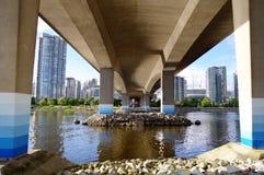 Cambie的基础跨接跨过False Creek, Vancouve 免版税库存照片