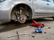 Cambio del neumático Foto de archivo