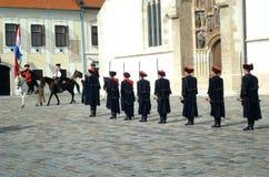 Cambio del protector del regimiento de Kravat Fotografía de archivo libre de regalías
