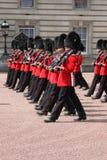 Cambio del protector en Buckingham Palace Fotos de archivo libres de regalías