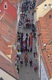 Cambio del regimiento honorario del pañuelo del guardia en ocasión del ` del día del pañuelo del mundo del `, Zagreb Imagen de archivo