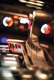 Cambio della trasmissione automatica nell'automobile immagine stock