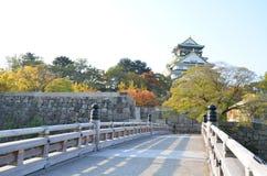 Cambio Japón del color del otoño en el castillo de Osaka Fotos de archivo