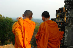 cambodia monks Arkivfoton