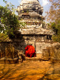 Cambodian Buddhist monk praying at Oudong Mountain Royalty Free Stock Photos