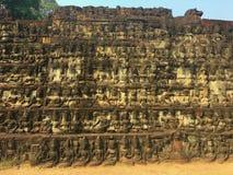 Cambodja arkitektur Basrelief Vägg som snider i Angkor Wat Complex Siem Reap royaltyfri fotografi