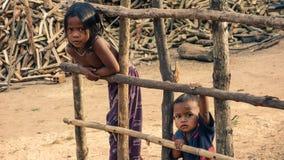 Cambodjaanse dorpskinderen Stock Afbeelding