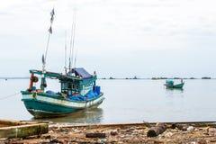 Cambodjaanse vissersboten in Sihanoukville, Kambodja Royalty-vrije Stock Afbeeldingen