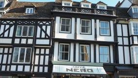 cambridge england Ett traditionellt gammalt hus i det historiska centret lager videofilmer