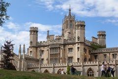 Cambridge England historisk byggnad Royaltyfri Fotografi