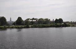 Cambridge, il 30 giugno: Panorama della città di Cambridge dal fiume Charles nello stato di Massachusettes di U.S.A. Fotografia Stock